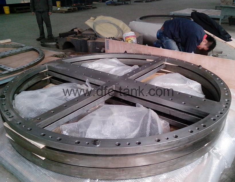 5. SA266 Gr2+B265 Gr1 Flange is being packaging