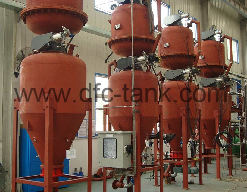 Conveying tank  for cement industry